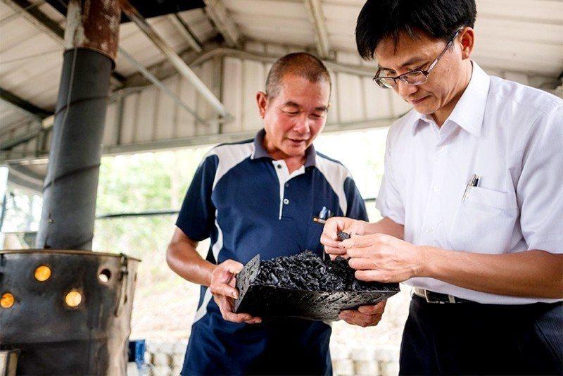 地方創生計劃開發的台南官田菱殼炭。 圖/取自官田烏金官網
