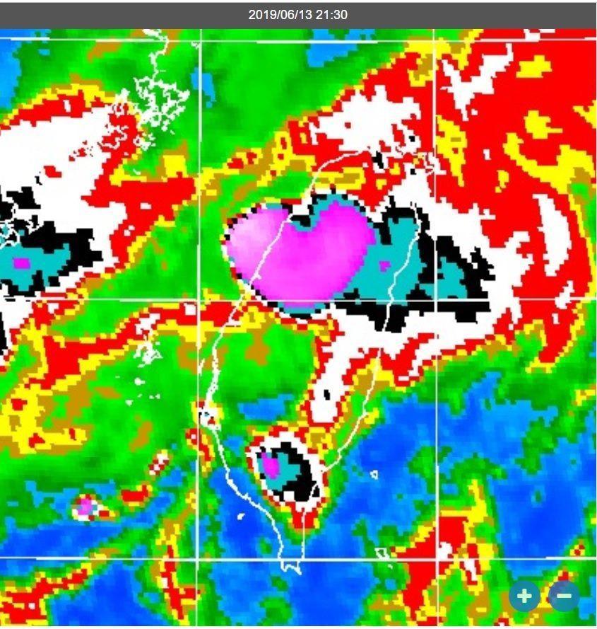 今天晚間9時30分的衛星雲圖。圖/取自鄭明典臉書