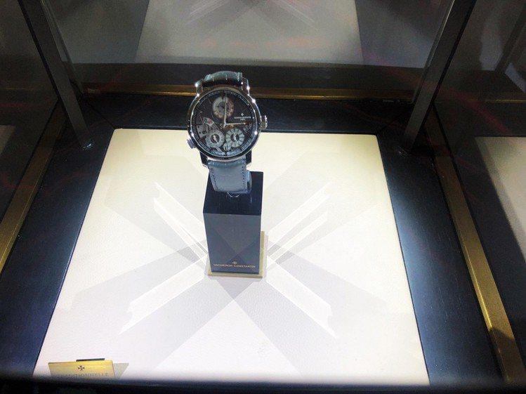 江詩丹頓在今年1月,於SIHH發表的Twin Beat萬年曆腕表,首度現身香港。...