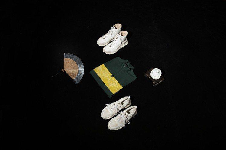 夏姿的男裝系列亦融入運動風,包括高、低筒球鞋,以及色塊拼貼輪廓線繡花運動衫等單品...