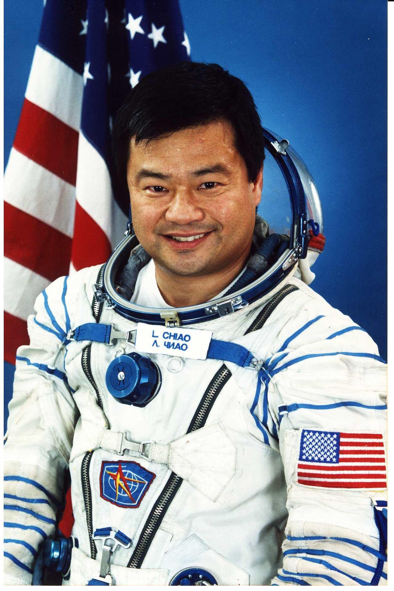 美國NASA前太空人焦立中(Leroy Chiao)與萬寶龍合作StarWalk...