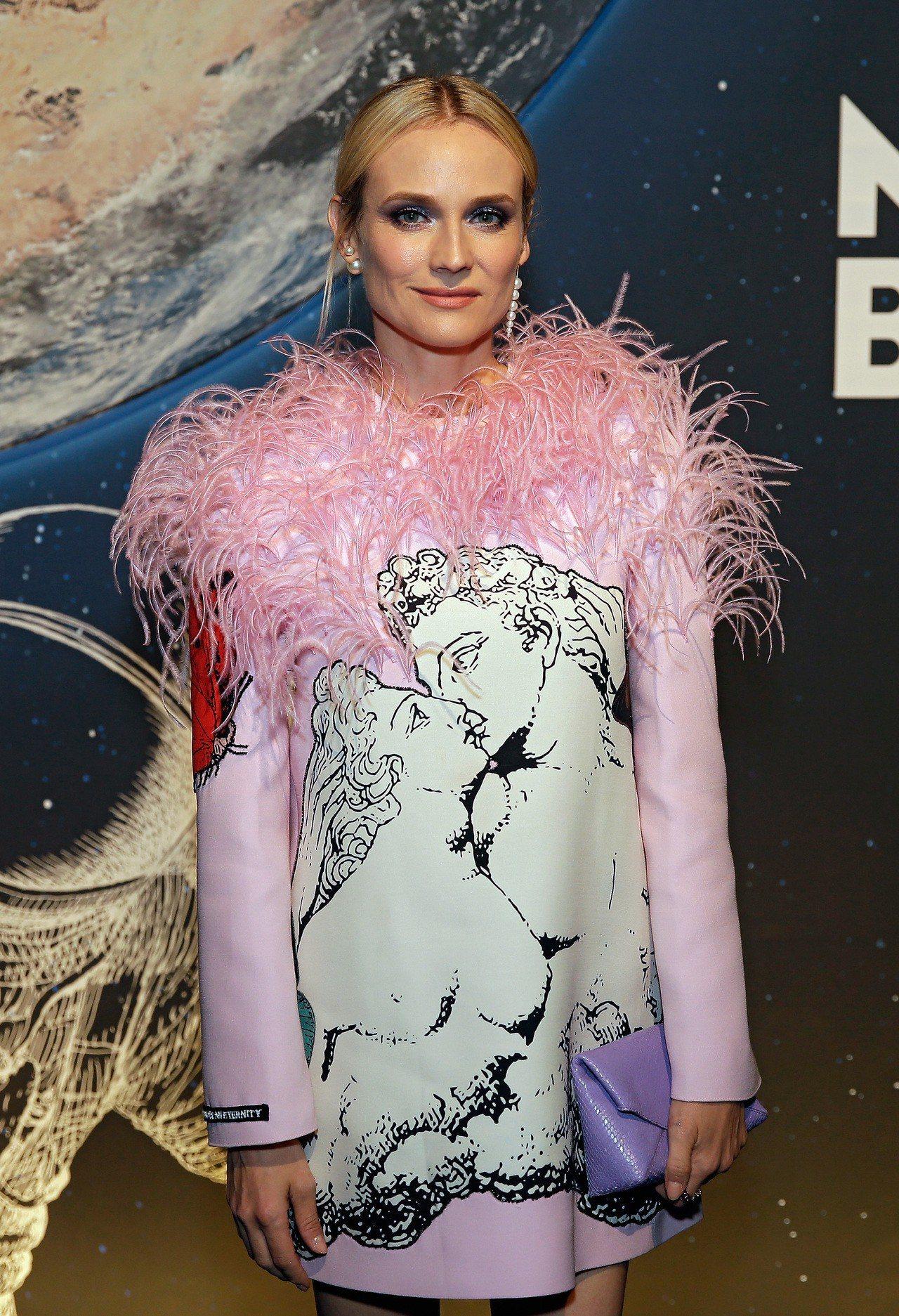 好萊塢女星黛安克魯格出席全新StarWalker星際行者系列書寫工具的休士頓全球...