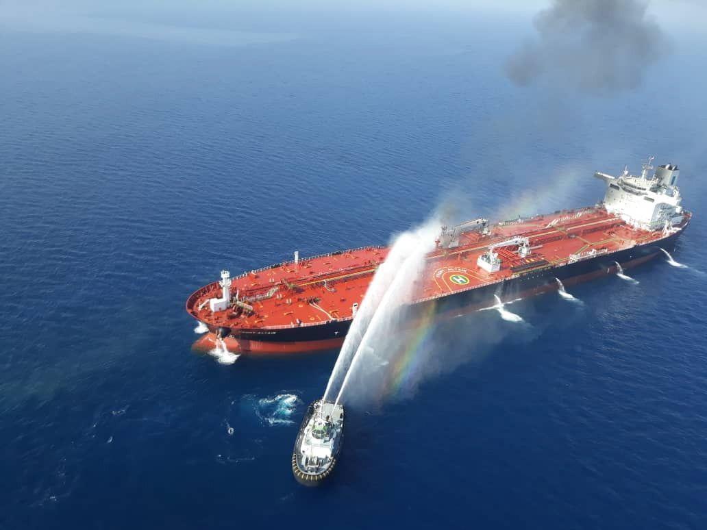 中油承租開往高雄的挪威籍的Front Altair油輪遭襲,伊朗海軍前往搶救。歐...