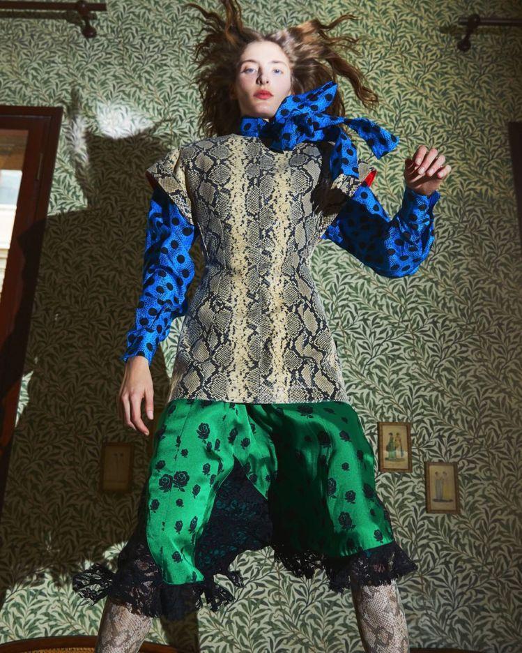 模特兒Annie Tice詮釋KENZO 2019春夏系列服裝。圖/取自IG