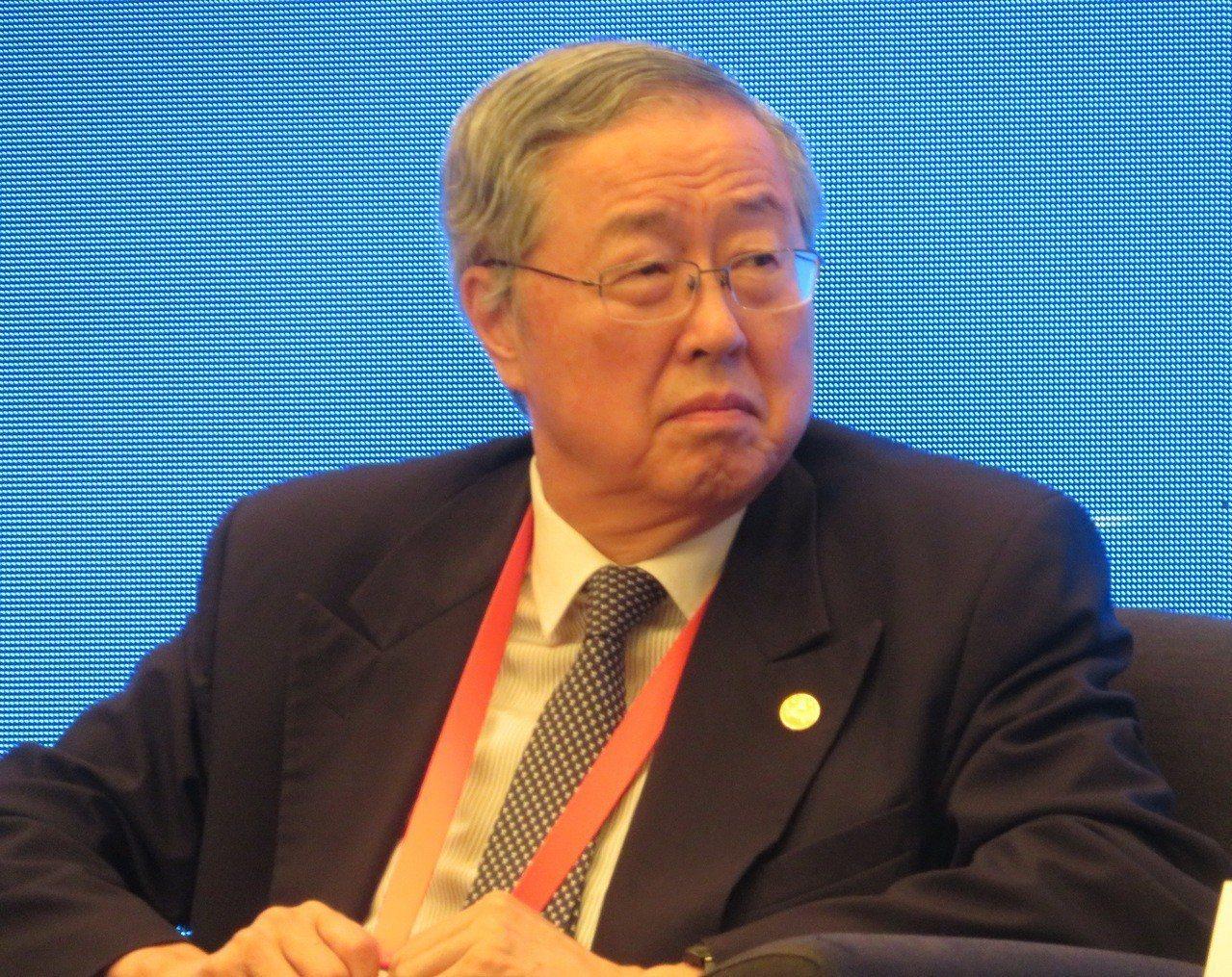 中國人民銀行前行長周小川警告,貿易戰恐將導致全球再次出現貨幣競爭性貶值,讓整個世...