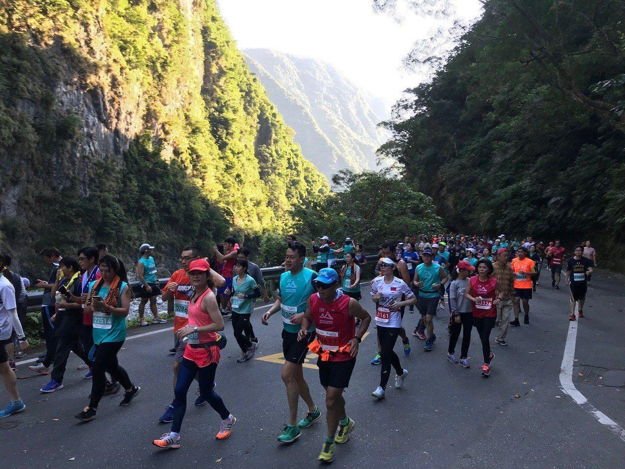 花蓮太魯閣馬拉松有全台最美賽道美譽,每年吸引大批跑友報名。圖/報系資料照片
