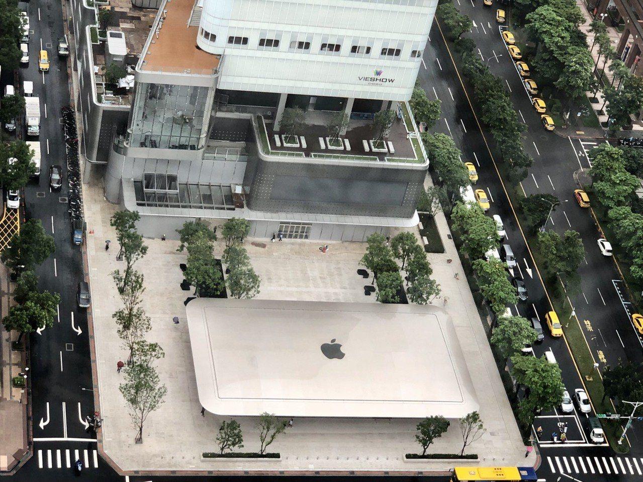 美商蘋果公司繼2017年7月1日Apple 台北 101直營店開幕後,Apple...