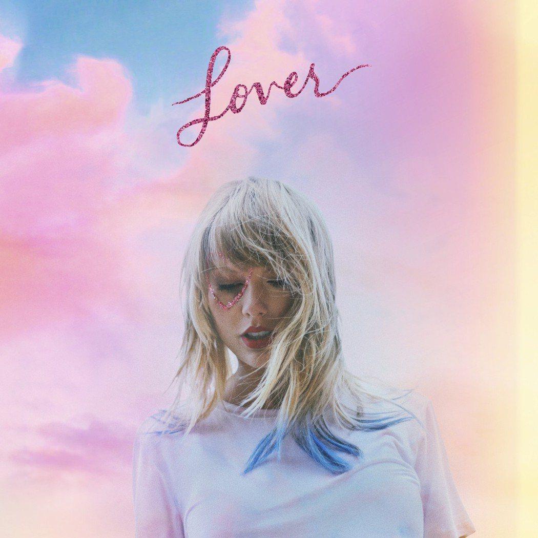 泰勒絲宣告四月將發行新專輯。圖/環球提供