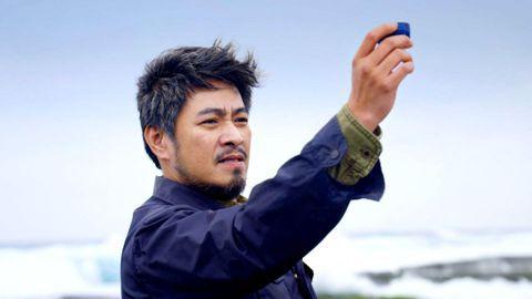 有10年未曾在台灣電視中露臉的資深演員劉漢強,最近歸隊參加台視、三立週日偶像劇「月村歡迎你」的演出,他表示之前工作重心都擺在大陸,當時他帶著母親在大陸發展,而近期由於90多歲高齡的母親年紀大了,他就...