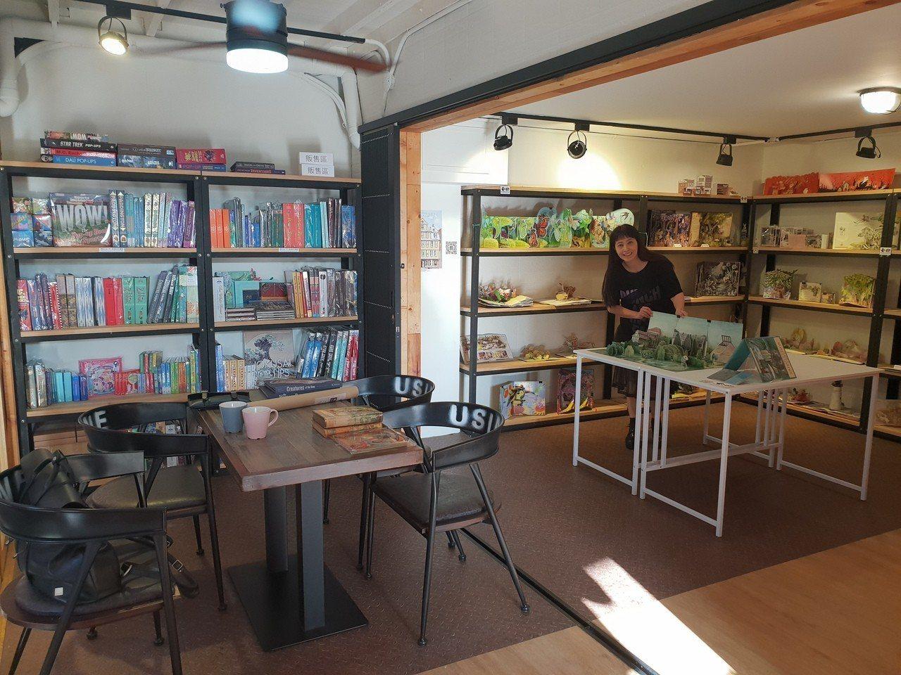 文自秀創辦亞洲首間立體書書店「We Do有度立體實驗室」。記者陳宛茜╱攝影