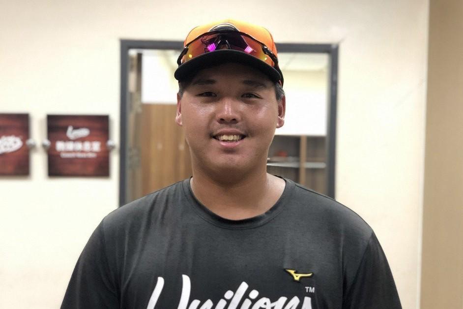 年僅19歲的姚雨翔去年季中加入職棒,首度升一軍就先發打第5棒,擔任指定打擊。 中...