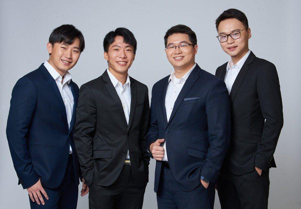 蔡少軒(左起)、李文斌、賴韋中、呂子杰四位青年才俊,創新成就猶如歌壇F4。 B2...