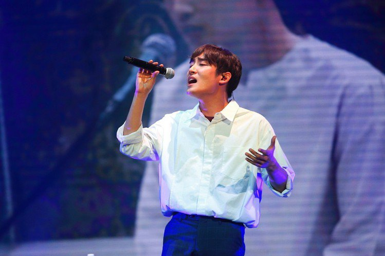 Superstar K第5季總冠軍朴宰正於盛世公主號上獻唱多首代表歌曲。記者陳睿...