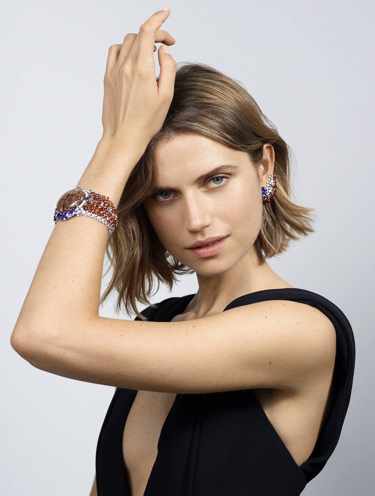 卡地亞MAGNITUDE頂級珠寶系列ZEMIA耳環與手環。圖/卡地亞提供