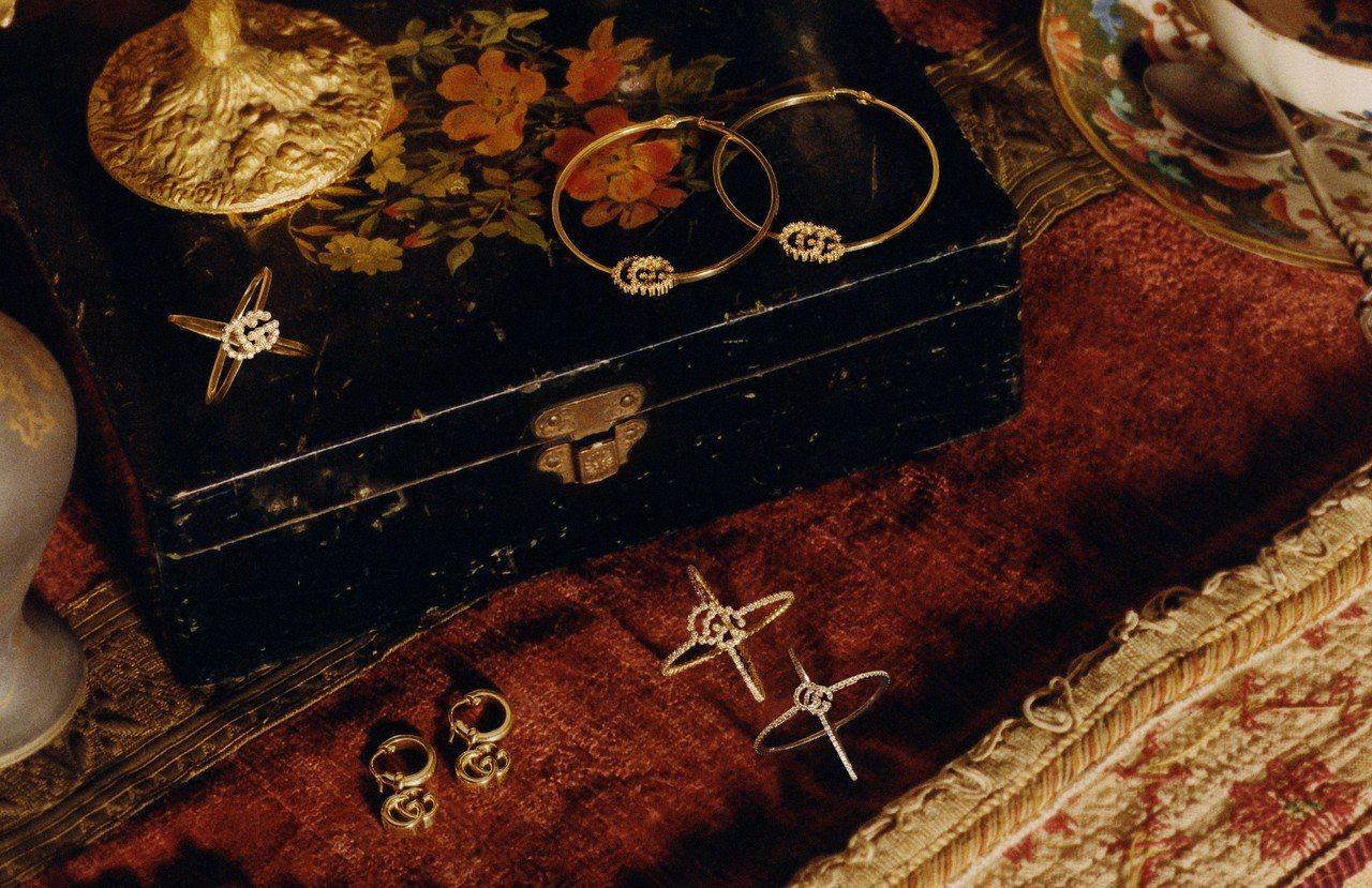 古馳珠寶鐘表推出夏季新作,蜜蜂、帝王蛇、花卉成主角。圖/古馳提供