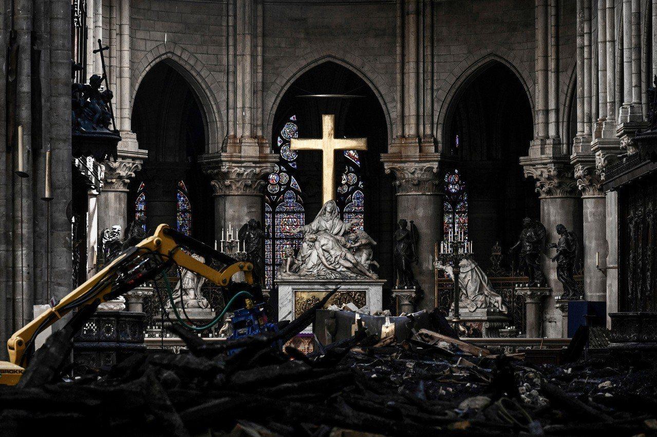 巴黎聖母院(Notre-Dame de Paris)4月中因大火嚴重受損,當時法...