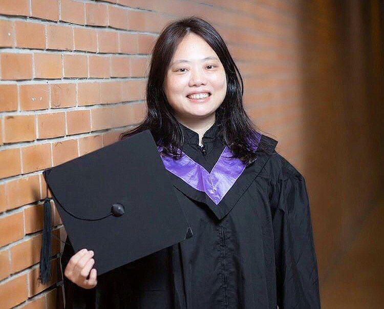 早就取得生科博士學位的清華副教授王慧菁,今再領到清華學士後法律學士學位學程文憑。...