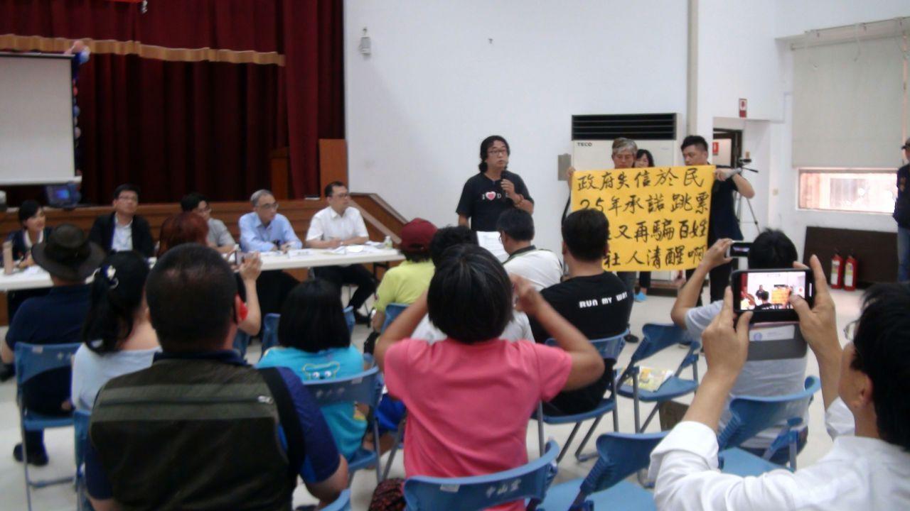 大社居民李名認為,政府對大社工業區降編的承諾,不應再跳票。記者王昭月/攝影