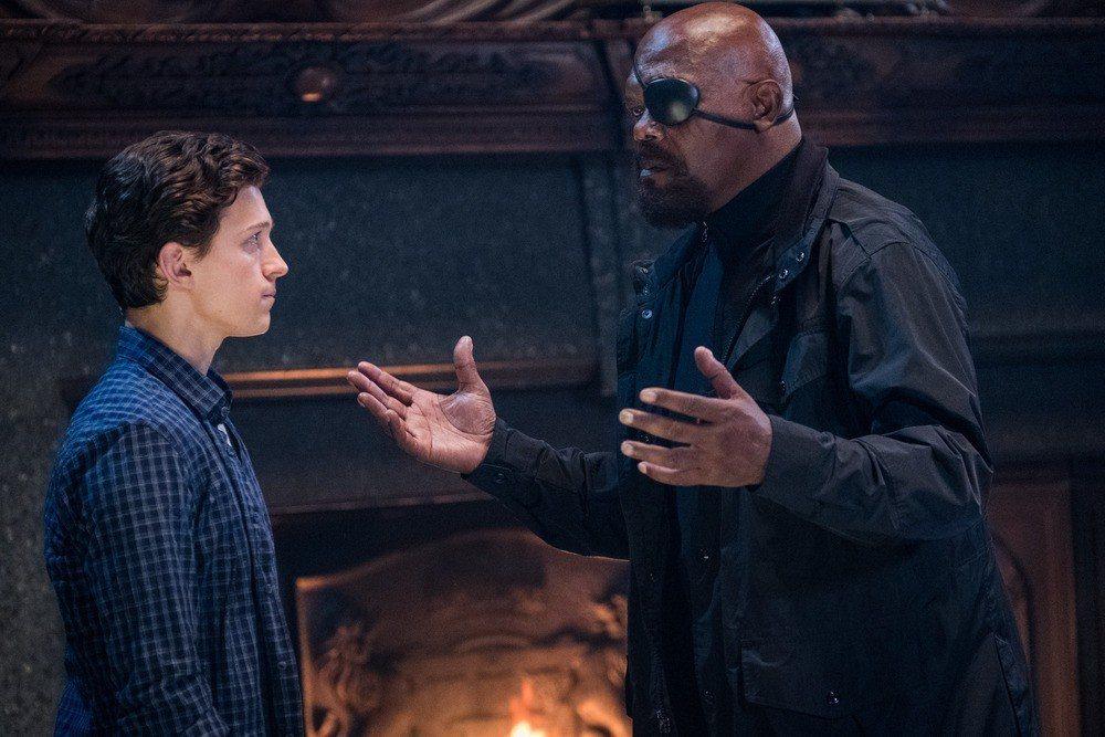 湯姆霍蘭德(左)與山繆傑克森在「蜘蛛人:離家日」終於有對手戲。圖/索尼提供