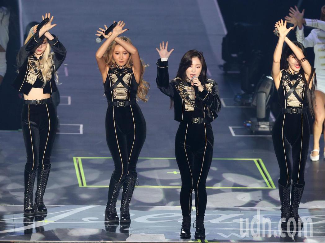 韓國女團MAMAMOO 晚間在新莊體育館開唱。記者林澔一/攝影