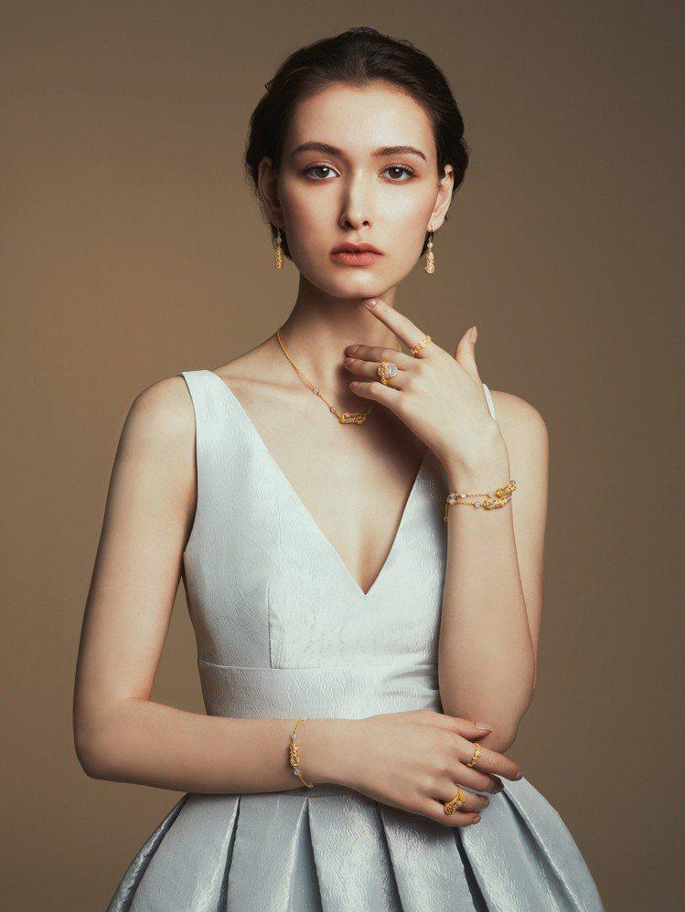 JUSTGOLD鎮金店推出新作「喜.玲瓏」系列婚嫁金飾。圖/鎮金店提供
