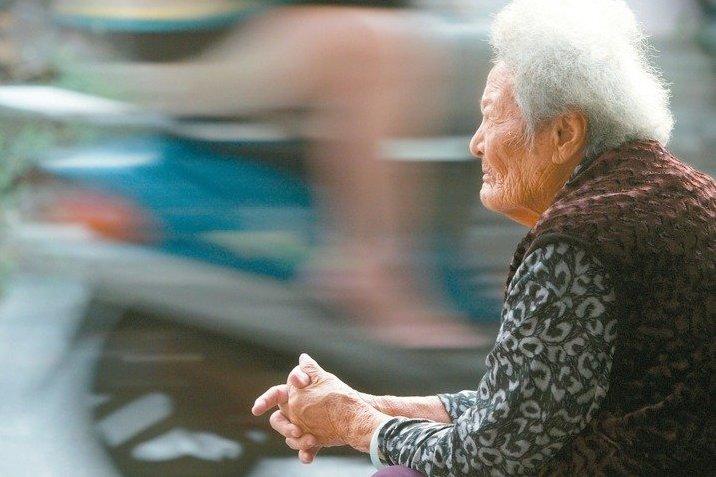 老人家暴案上升反映出長照失敗的一角