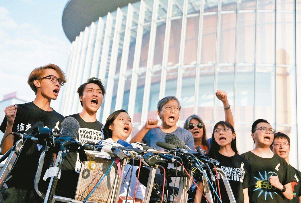 香港民主派不接受「逃犯條例」暫緩修訂,今天將繼續舉行大遊行。 (路透)