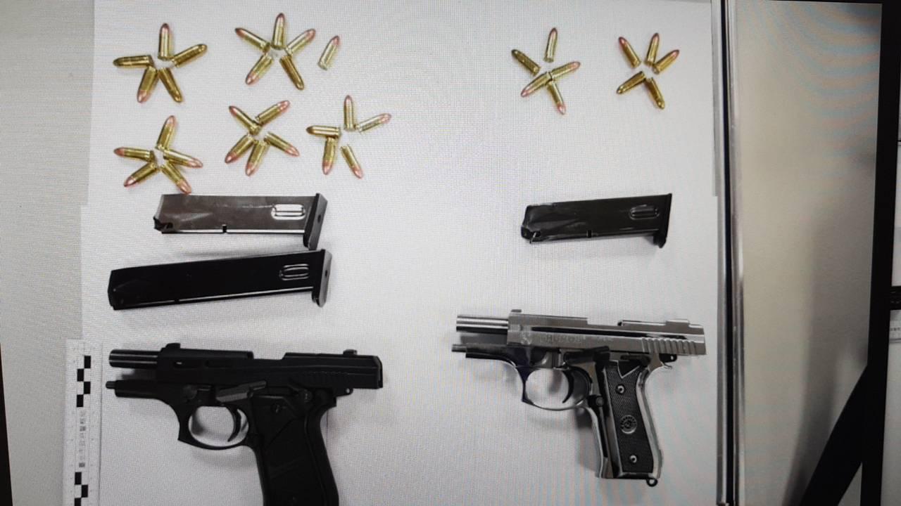 警方查扣涉案槍枝。記者蕭雅娟/翻攝