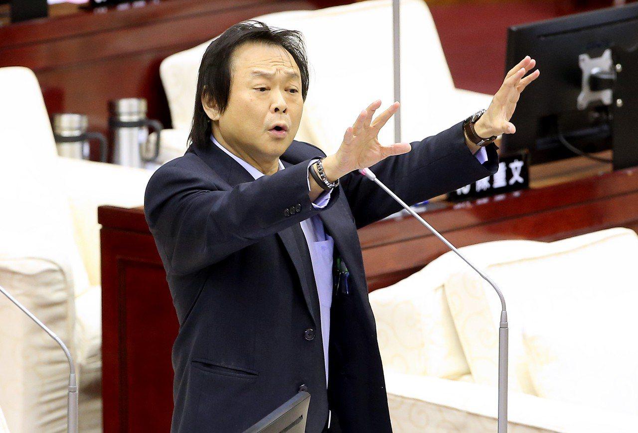「Over My Dead Body」是台北市議員王世堅的名言。 聯合報系資料照...