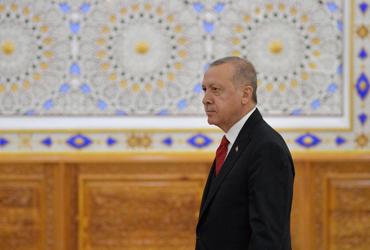 土耳其總統艾爾段昨天表示,向俄羅斯採購的S-400防空飛彈系統預期將於7月上半月...