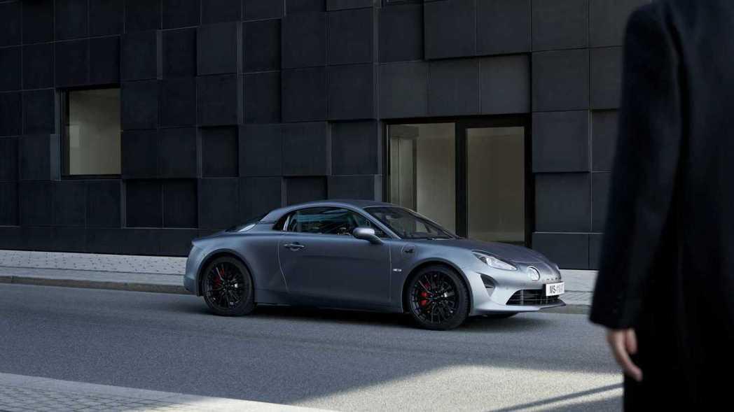 Alpine A110S這輛1.8T小跑車0-100km/h可以做出4.4秒的成...
