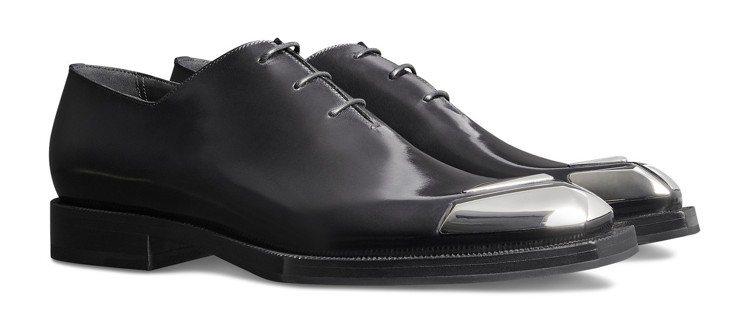 Berluti秋冬系列Alessandro金屬結構黑色綁帶鞋,約86,000元。...