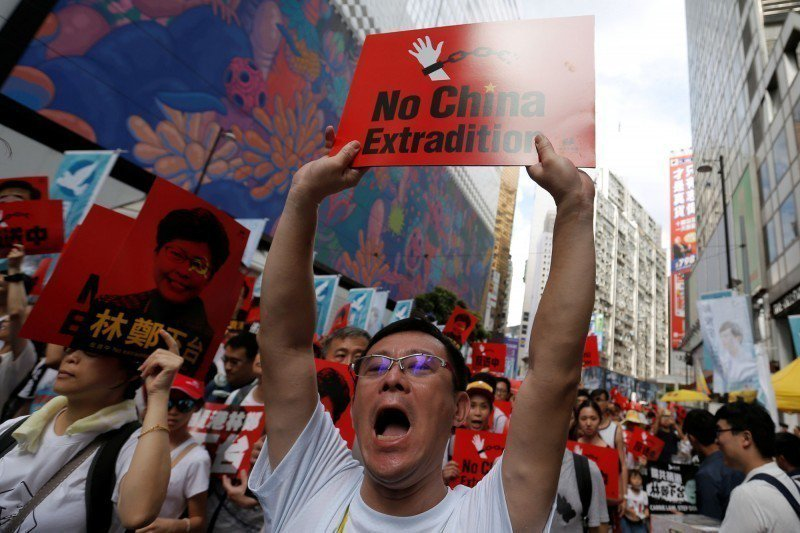 反送中16日下午照常遊行,香港緊張局勢未消退。取自路透