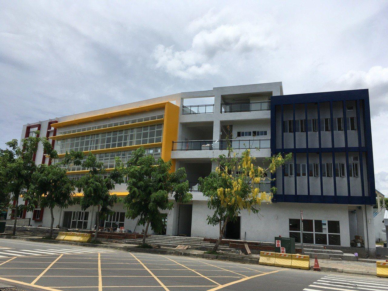 高雄首座市民運動健身中心,今年7月將在鳳山運動園區啟用。記者謝梅芬/翻攝