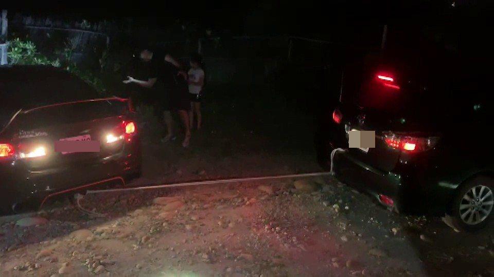 海巡署中部分署第三岸巡隊紅外線熱影像系統發現受困沙地車輛,並協助拖離。圖/海巡署...