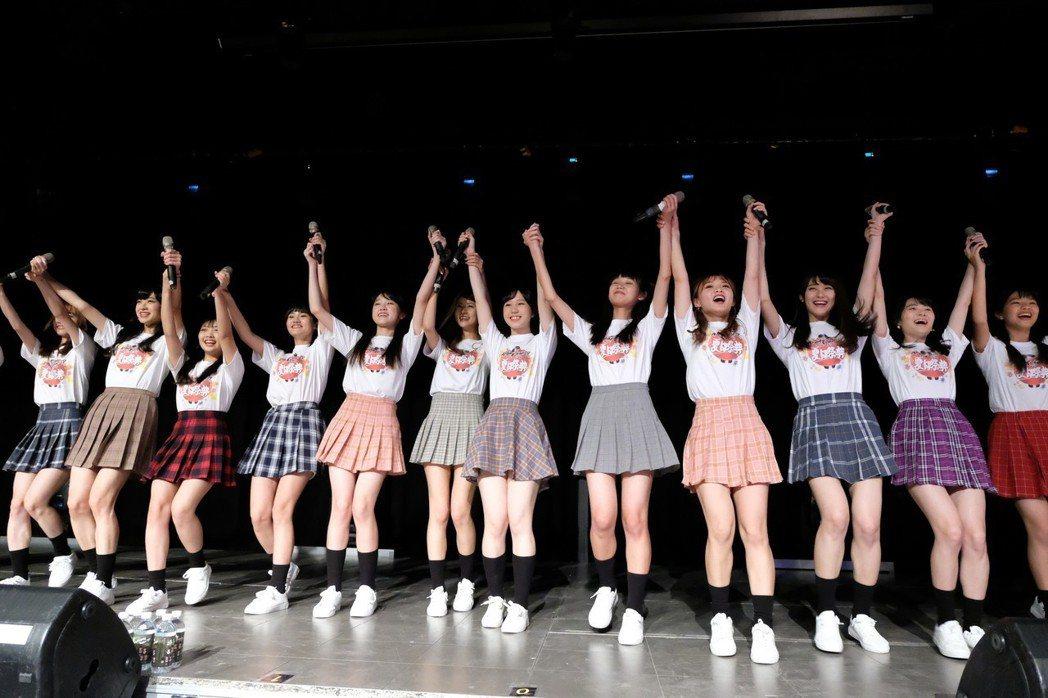 「AKB48 Team TP」露出美腿。圖/好言娛樂提供