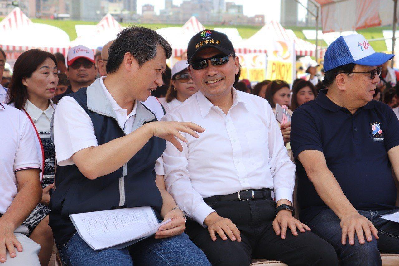新北市長侯友宜今出席「菲律賓121年國慶暨移工歡樂路跑友誼賽」活動,並說到第一次...