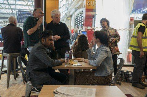 【特派記者黃保慧/倫敦報導】由英國名導「猜火車」導演丹尼鮑伊執導和「愛是您‧愛是我」編劇李察寇蒂斯的創作黃金組合,將推出新片「靠譜歌王」,以「披頭四」消失在世界上為主軸製作了一部愛情喜劇。兩人在倫敦...