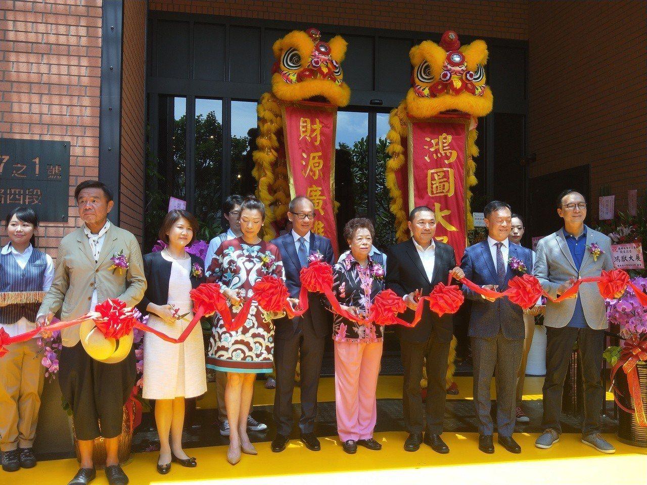 晶華連鎖飯店捷絲旅三重館今開幕,負責人是前立委朱俊曉。記者施鴻基/攝影