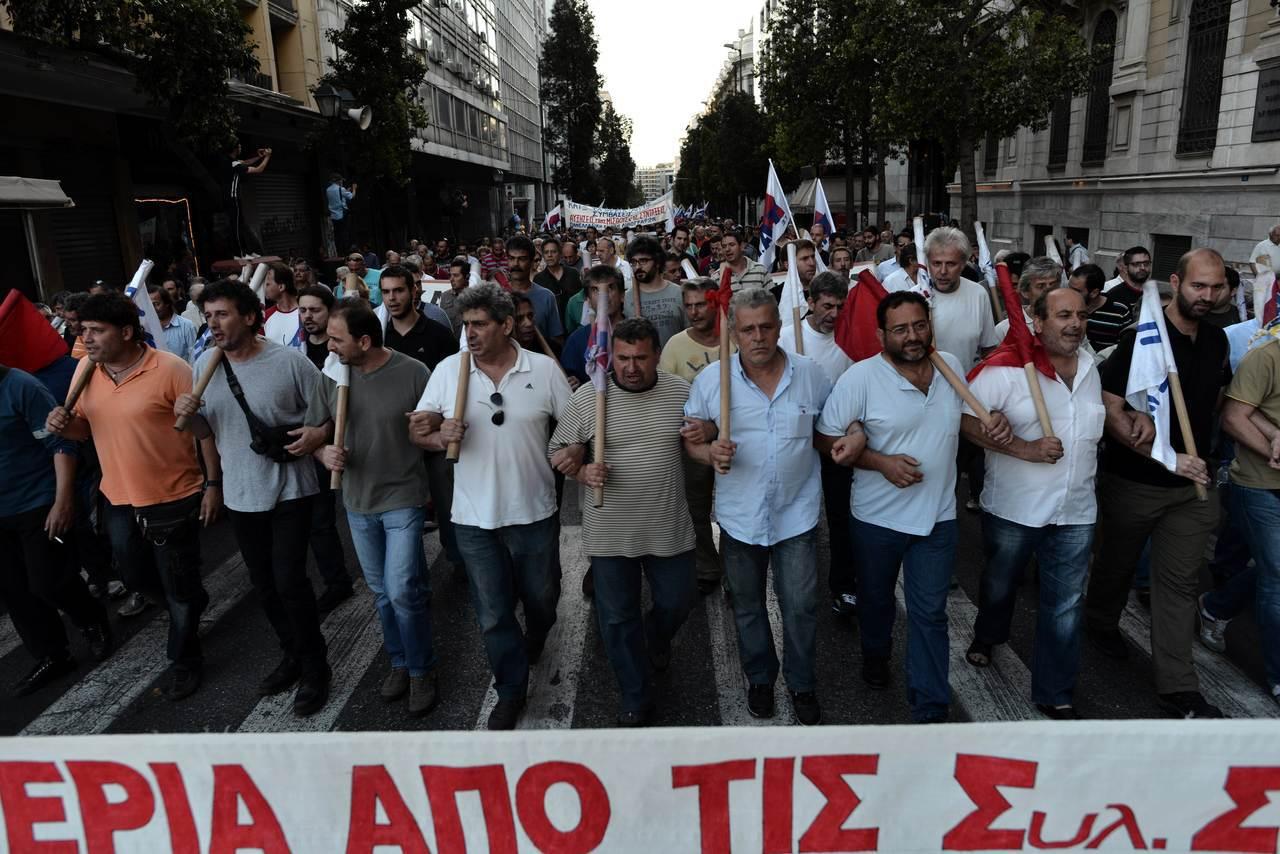 希臘民眾過去幾年經常上街頭抗議政府撙節措施影響他們的生計。 (法新社)
