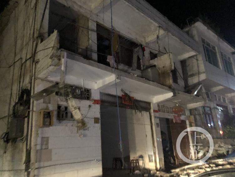 地震後有個別房屋損毀、倒塌。(上游新聞)
