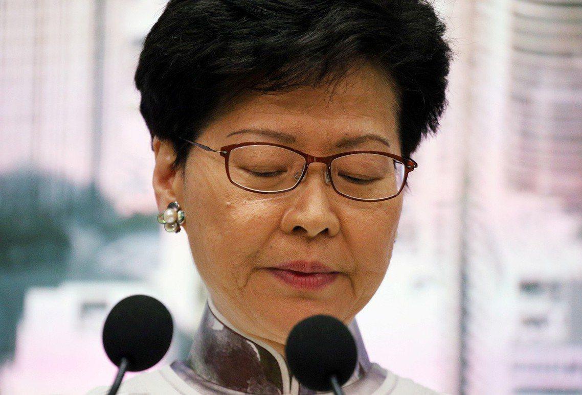 林鄭月娥也在文中承認「工作上的不足,令香港社會出現很大的矛盾和紛爭」,並首度道歉...