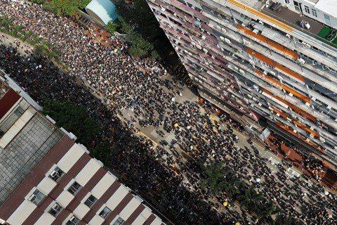 「反送中」周年:為什麼香港一天到晚都有示威遊行?