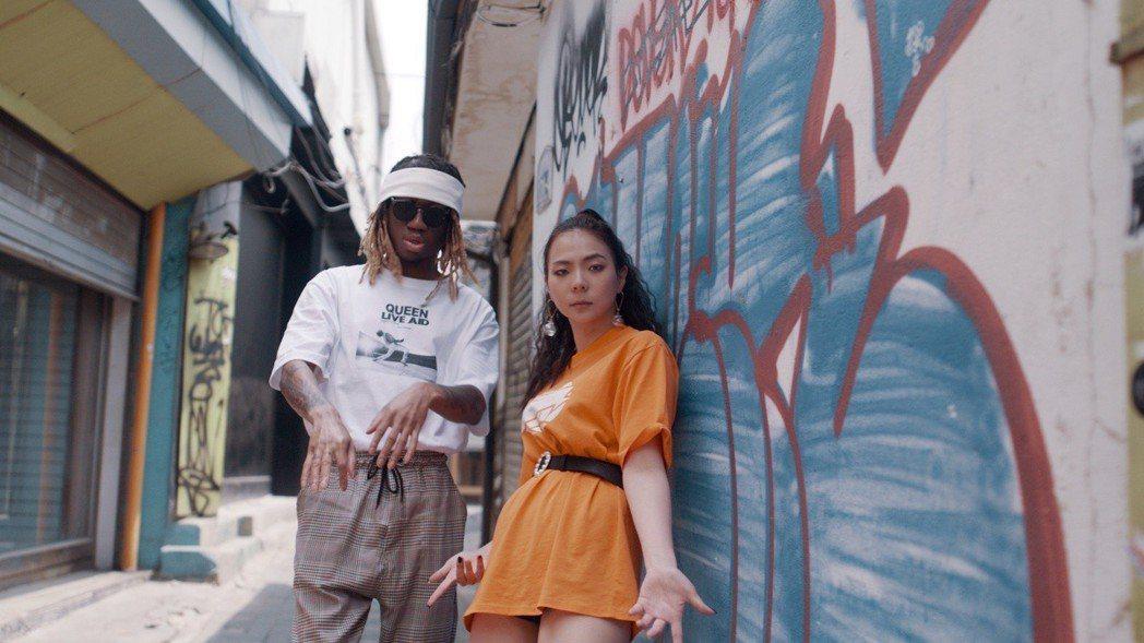 Yohee(右)跨海邀請OG Maco合唱。圖/Tommygd.12提供