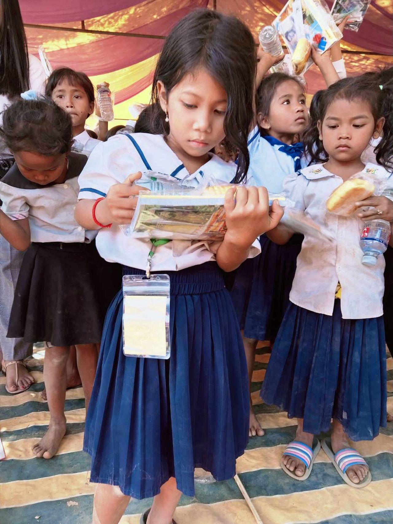 同濟會梓官分會號召「送書包到柬埔寨」 還差5000個!