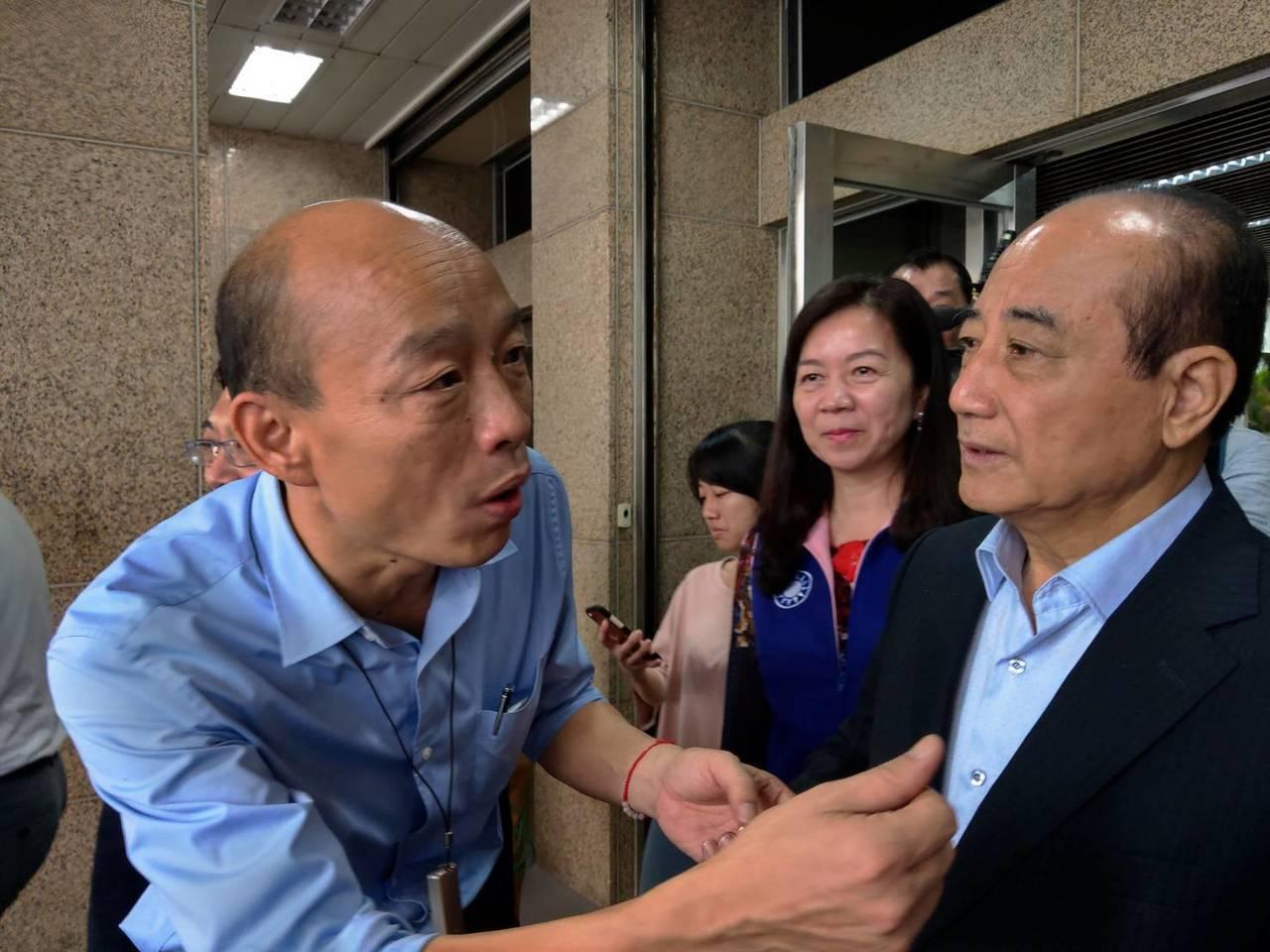 高雄市長韓國瑜拜會國民黨立委王金平。記者劉宛琳/攝影