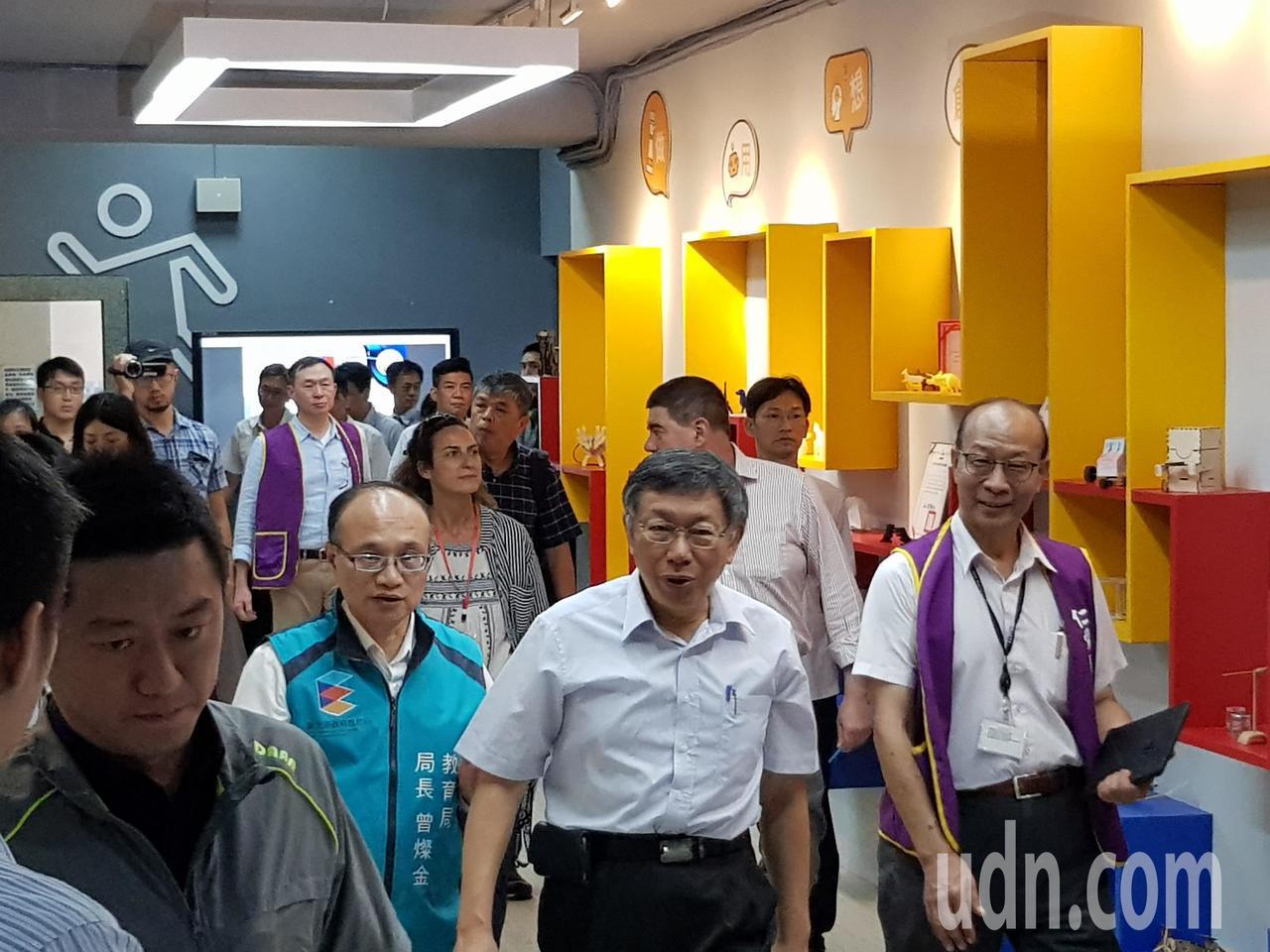台北市長柯文哲今早出席教育局活動受訪。記者翁浩然/攝影