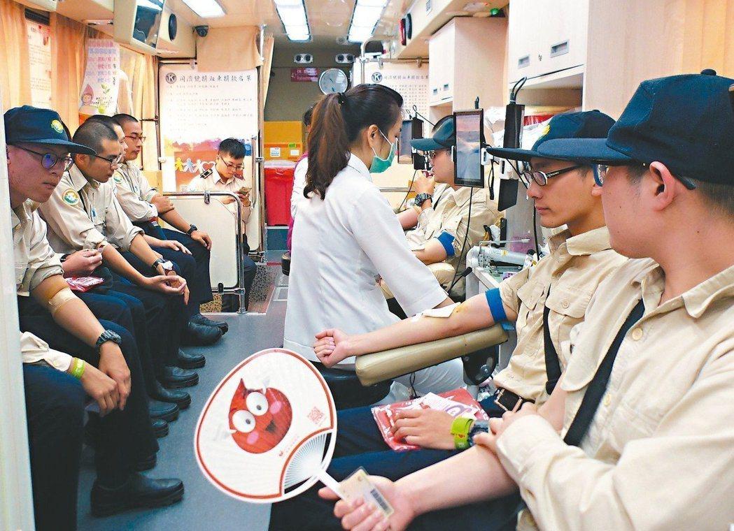 血液庫存仍不足,血液基金會盼民眾踴躍捐血。本報資料照