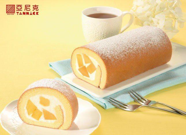 「新鮮芒果生乳捲」售價485元。圖/亞尼克提供