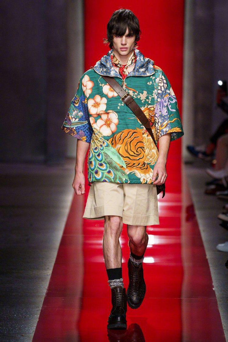 Dsquared2 在2020春夏男裝系列中呈現設計師對中國文化的欽慕之情,老虎...